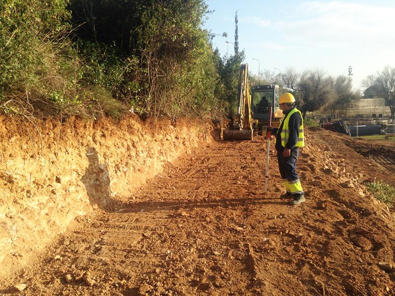 Trabajo de excavación y movimiento de tierras realizado por EXCAVACIONES JODAR para CLIENTE PARTICULAR